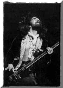 Seu baixista e o baixo dele Geezer-Butler-Black-Sabbath-birthday-july-17-b
