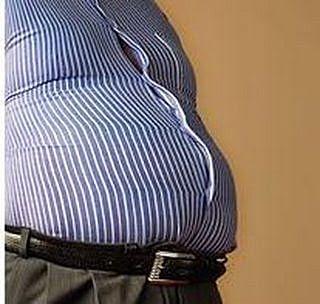 உங்கள் தொப்பைக்கு நீங்கள் குடிக்கும் பீரை பழிக்காதீர். Fat-belly_Full