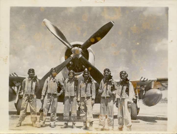 Le 201st Mexican Fighter Squadron :  Des pilotes mexicains  EscuadronPilotos_E201