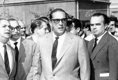 Dentro do Poder em Brasília - Política Interna Brasileira Carlos%2BLacerda