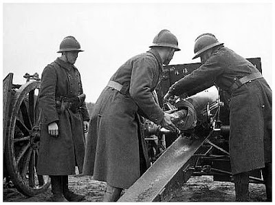 Portugueses nas pampas... French-soldiers-firing-against-germans-dunkirk-may-1940-second-world-war-2-two-ww2-amazing-pictures-photos