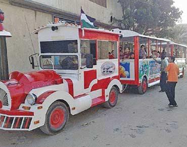 قطار فى شوارع غزة  114981