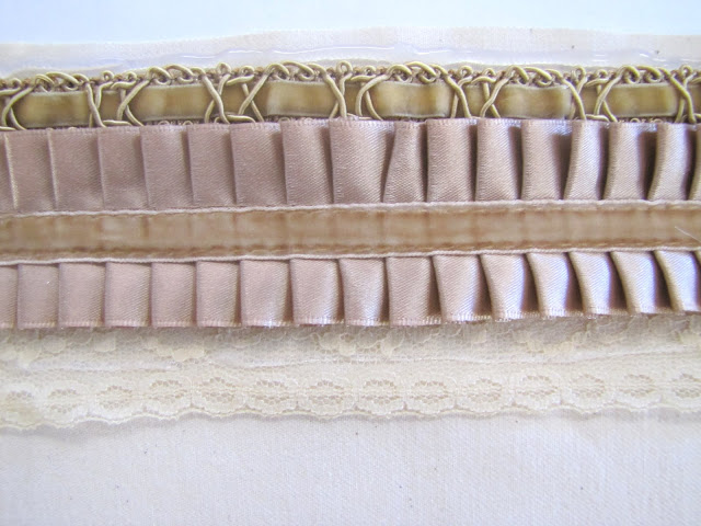 Браслет-манжета из ткани, лент и кружев IMG_8371