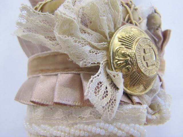 Браслет-манжета из ткани, лент и кружев IMG_8411