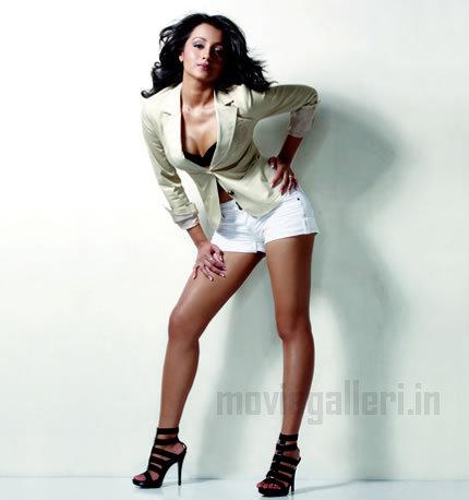 Trisha Krishnan Trisha_maxim_magazine_photoshoot_04