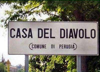 Paesi e città con nomi assurdi Casa-diavolo