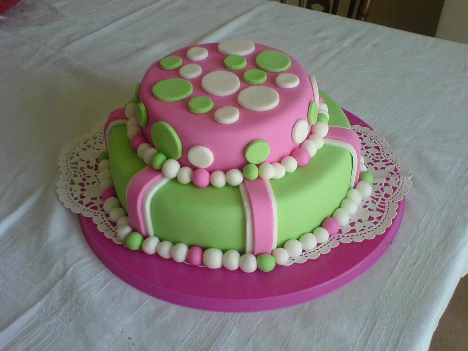 Fondant - dekoracija torti DSC03160