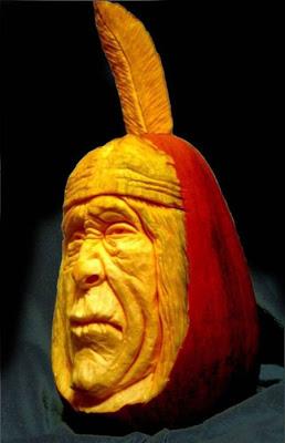 பூசணியில் செதுக்கப்பட்ட வியக்கத்தக்க உருவங்கள்  Pumpkin-carvings-04