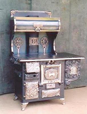 பழமை மாறாத கணப்படுப்புகள் {Antique Stove} Antique-stoves-03