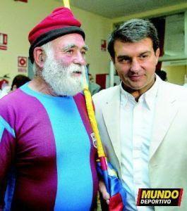 """ليس حيواناً كما يعتقدون .. ولا هو شخصيه خياليه .. ولكن هو الجد في كتالونيا """"  N_f_c_barcelona_varios-4469"""