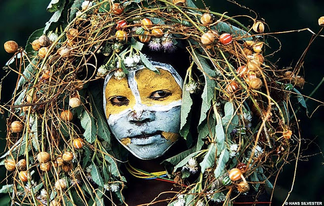 Afrika - Page 16 Pictures-of-africa-people-tribal-masks