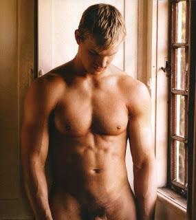 Những chàng hotboy khỏa thên khoe cơ thể - khoe hàng Davidrich_042r-thumb