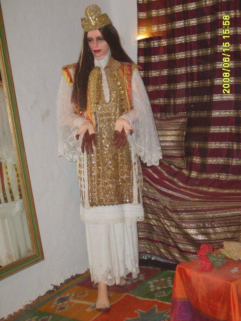 عادات تونس التقليدية من متحف جربة Vetements-traditionnel%2B(5)