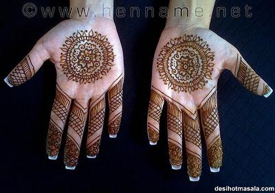Femmes peintes Mehndi-design-6