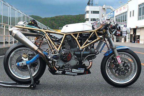 Ducati Deux soupapes - Page 4 Detail01_b