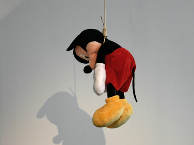 Juego>> I've Changed My Mind  - Página 3 Mickey-mouse-hangs-1