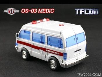 [TFC Toys] Produit Tiers - OS-01 Ironwill (aka Ironhide/Rhino) & OS-03 Medic (aka Ratchet/Mécano) 0v6Vo3EI