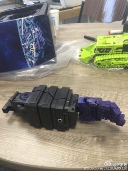 [Toyworld] Produit Tiers - Jouet TW-C Constructor aka Devastator/Dévastateur (Version vert G1 et jaune G2) - Page 2 6PfMXolc
