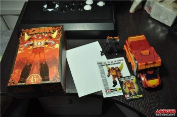 [DX9 Toys] Produit Tiers - Jouet D-06 Carry aka Rodimus et D-06T Terror aka Black Rodimus - Page 2 7U1Qa48L