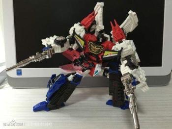 [Mastermind Creations] Produit Tiers - RC-01 Hexatron (aka Sixshot/Hexabot) et RC-01G Grandus Hexatron (aka Greatshot) - Page 3 8DzLA0OM