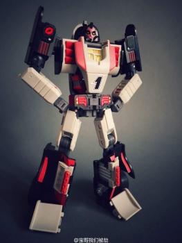 [DX9 Toys] Produit Tiers - UT-D01 Salmoore (aka Cykill des GoBots) + 003C Cocomone (aka Crasher/Démo des GoBots) FGxSGHeN