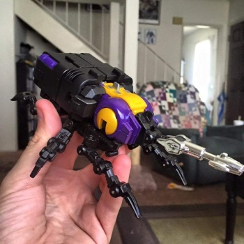 [Fanstoys] Produit Tiers - Jouet FT-12 Grenadier / FT-13 Mercenary / FT-14 Forager - aka Insecticons - Page 2 HmiP43As