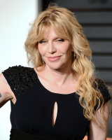 """Courtney Love """"2015 Vanity Fair Oscar Party hosted by Graydon Carter at Wallis Annenberg Center for the Performing Arts in Beverly Hills"""" (22.02.2015) 49x JlAxHfZJ"""