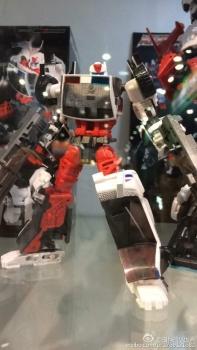 [MakeToys] Produit Tiers - Jouet MTCM-04 Guardia (aka Protectobots - Defensor/Defenso) - Page 2 KQ0ncFAv