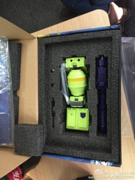 [Toyworld] Produit Tiers - Jouet TW-C Constructor aka Devastator/Dévastateur (Version vert G1 et jaune G2) - Page 4 MY2a392i