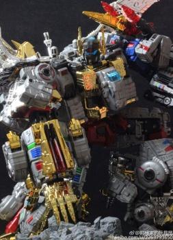[Toyworld][Zeta Toys] Produit Tiers - Jouet TW-D aka Combiner Dinobots - Page 3 RgzRimJ3