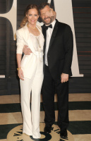 """Leslie Mann """"2015 Vanity Fair Oscar Party hosted by Graydon Carter at Wallis Annenberg Center for the Performing Arts in Beverly Hills"""" (22.02.2015) 126x  RmJjh3dV"""