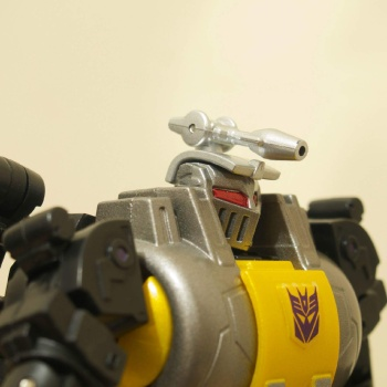 [Fanstoys] Produit Tiers - Jouet FT-12 Grenadier / FT-13 Mercenary / FT-14 Forager - aka Insecticons - Page 2 S9L0392B