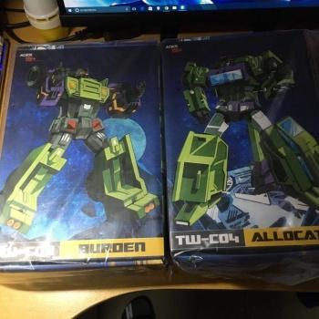 [Toyworld] Produit Tiers - Jouet TW-C Constructor aka Devastator/Dévastateur (Version vert G1 et jaune G2) - Page 6 Vl1JTh9P