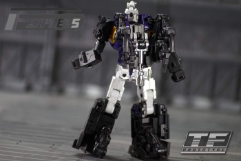 [Fanstoys] Produit Tiers - Jouet FT-12 Grenadier / FT-13 Mercenary / FT-14 Forager - aka Insecticons - Page 2 GBak1uGP