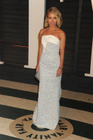 """Kelly Ripa """"2015 Vanity Fair Oscar Party hosted by Graydon Carter at Wallis Annenberg Center for the Performing Arts in Beverly Hills"""" (22.02.2015) 48x  GsNPIHhB"""