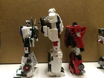 [Voodoo Robots] Produit Tiers - Salus (aka Ratchet/Mécano) & Animus (aka Ironhide/Rhino) PN5kRdqe