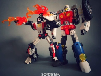 [DX9 Toys] Produit Tiers - UT-D01 Salmoore (aka Cykill des GoBots) + 003C Cocomone (aka Crasher/Démo des GoBots) SbSrYept