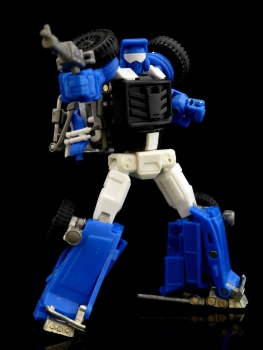 [X-Transbots] Produit Tiers - Minibots MP - Gamme MM - Page 3 TVkcOzT2