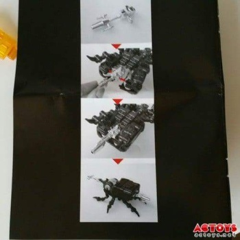 [Fanstoys] Produit Tiers - Jouet FT-12 Grenadier / FT-13 Mercenary / FT-14 Forager - aka Insecticons - Page 2 VHbVkvnR
