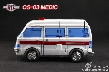 [TFC Toys] Produit Tiers - OS-01 Ironwill (aka Ironhide/Rhino) & OS-03 Medic (aka Ratchet/Mécano) ZKM4NYgY
