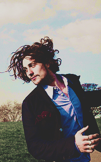Aaron Johnson Tumblr_o2asoknkmP1u7ut5io7_250