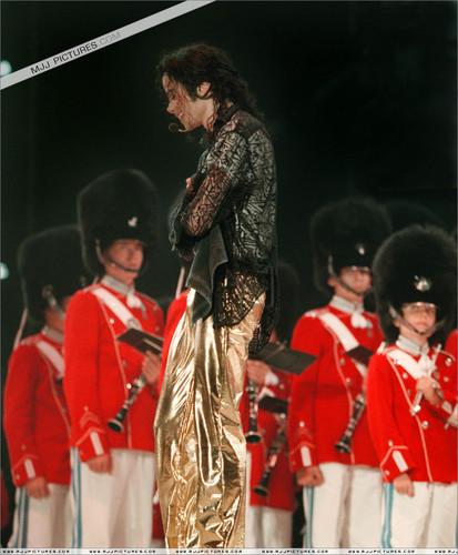 [NUOVE FOTO] Prince, Paris e Blanket Jackson  - Pagina 9 Tumblr_ntuv5w2I9f1u9radqo2_500