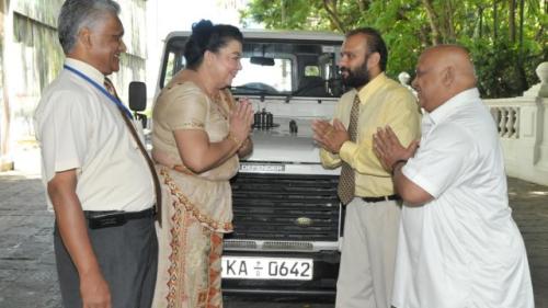 Meka Mahinda Rajapaksege Wadak - Page 4 Tumblr_inline_nt1tpnswn51qb1icv_500