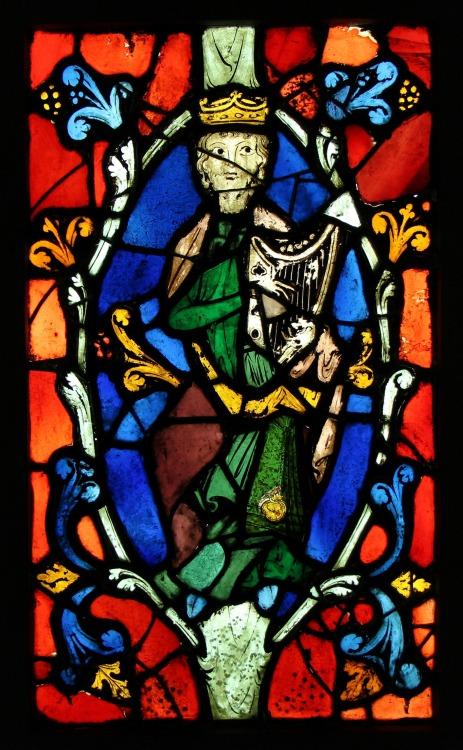 Les vitraux  du XIIIéme siècle . Tumblr_msx9d4OROd1si2w5qo1_500