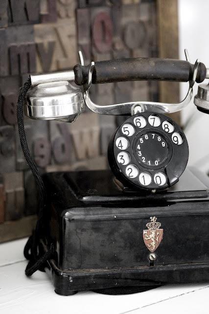 Stari telefoni - Page 3 Tumblr_n4ft6rYZwv1sg22dvo1_500