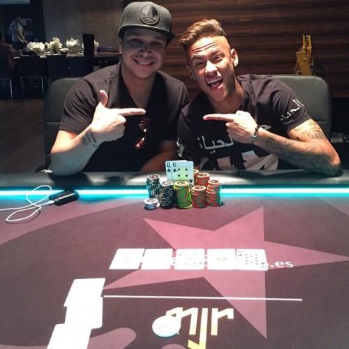 Neymar Jr. - Page 37 Tumblr_nnvw60zHBY1repc8no1_500