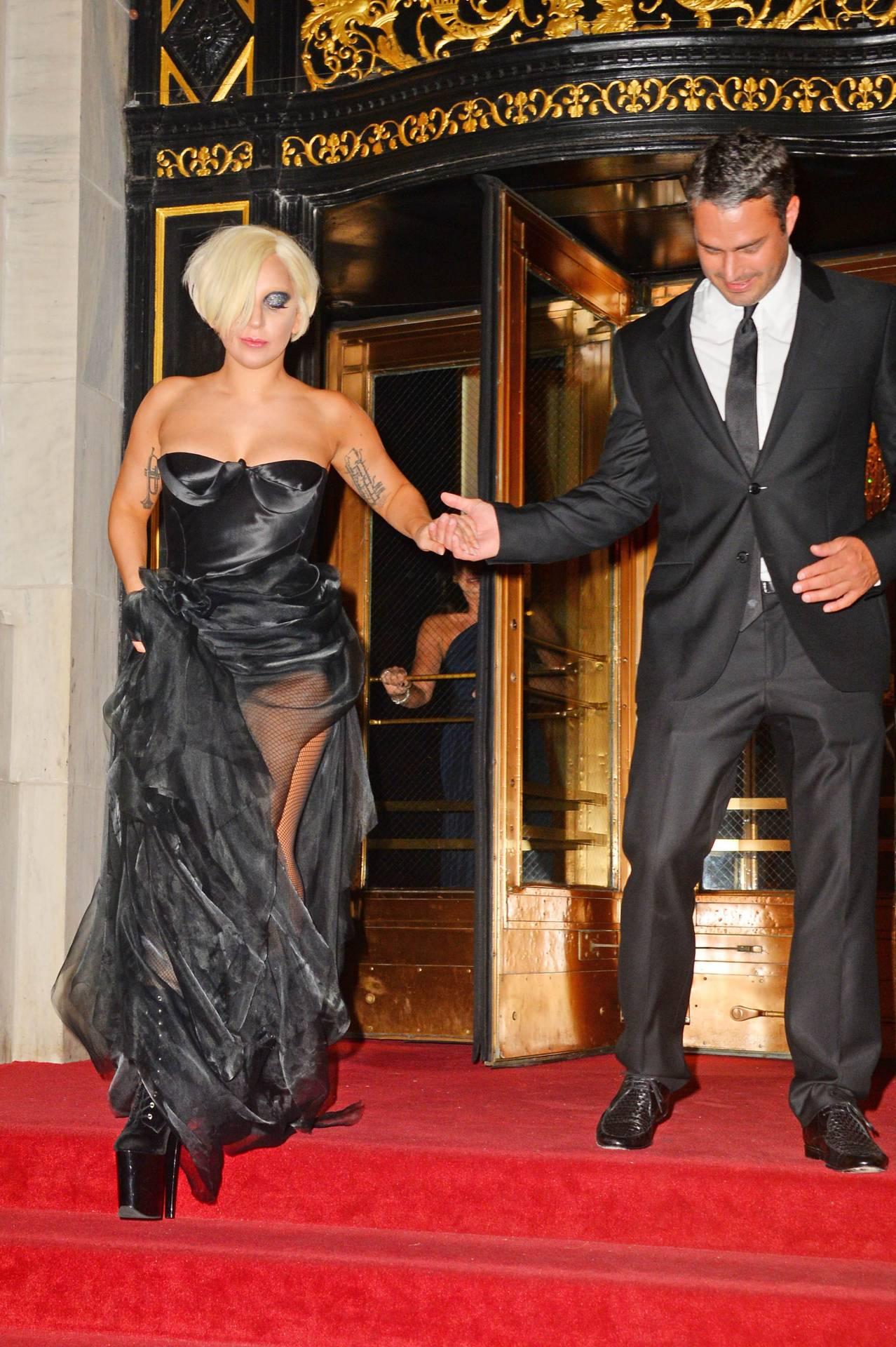 Lady Gaga and Taylor Kinney. - Page 3 Tumblr_nbhzfttufj1rz7rr7o9_1280