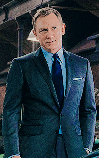 Daniel Craig - 200*320 Tumblr_o59i7hzVph1u7ut5io9_250