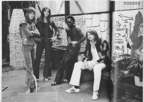 Tus fotos favoritas de los dioses del rock, o algo Tumblr_mr6a3simWi1rfxkt6o1_500