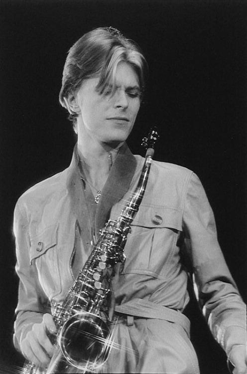 David Bowie - Page 4 Tumblr_npafi2rAHl1sb8ucvo1_500